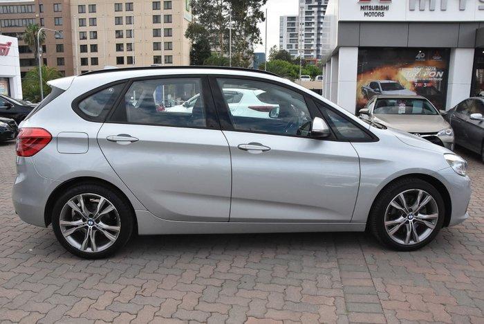 2015 BMW 2 Series 220i Luxury Line F45 Silver