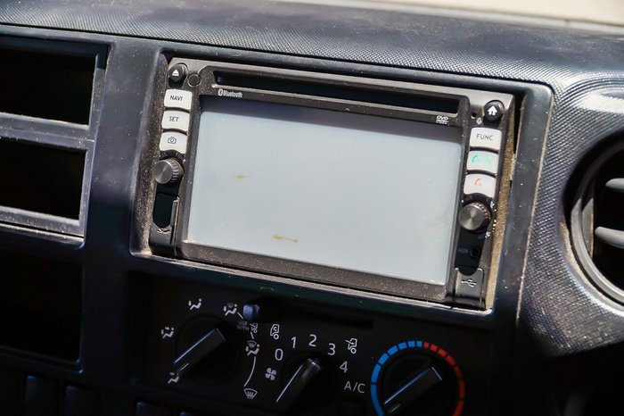 2011 Hino 300