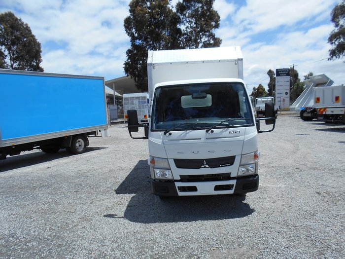2013 FUSO CANTER 515 null null White