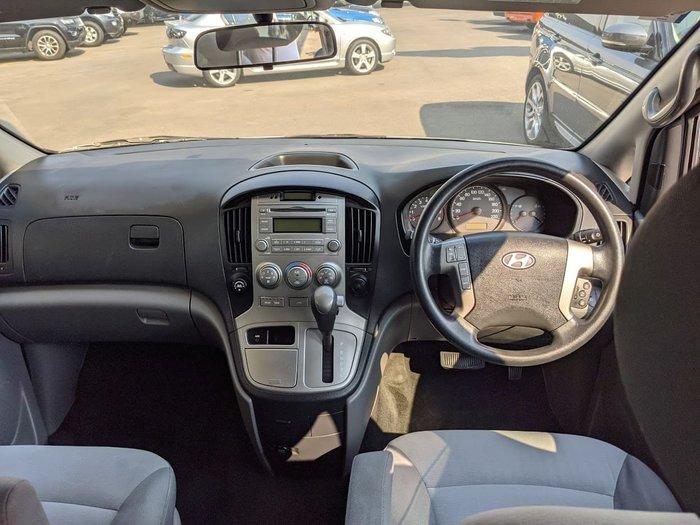 2009 Hyundai iMax TQ-W White