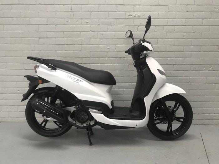 2019 Peugeot TWEET White
