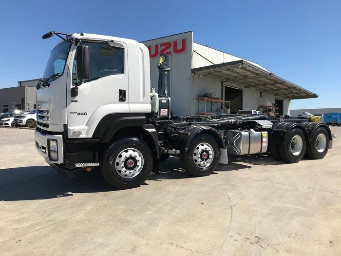 2019 Isuzu FYJ 300-350 AUTO HOOKLIFT null null WHITE
