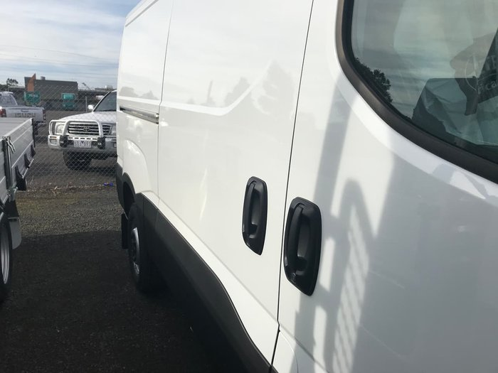 2019 IVECO DAILY 35S17 White