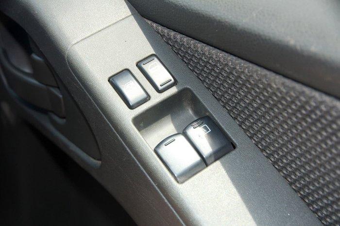 2014 Nissan Navara RX D40 Series 8 4X4 Dual Range White