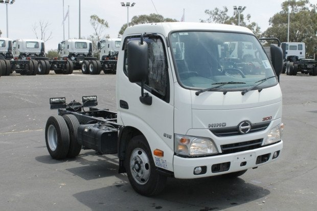 2016 Hino 614 - 300 Series WHITE