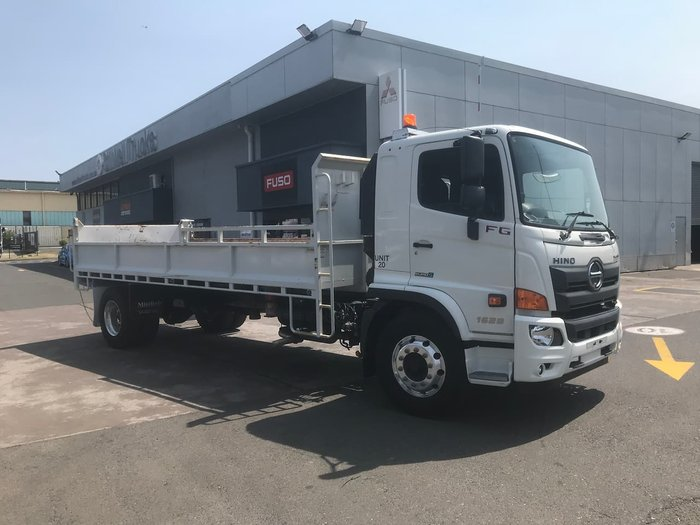 2017 HINO GH null null WHITE