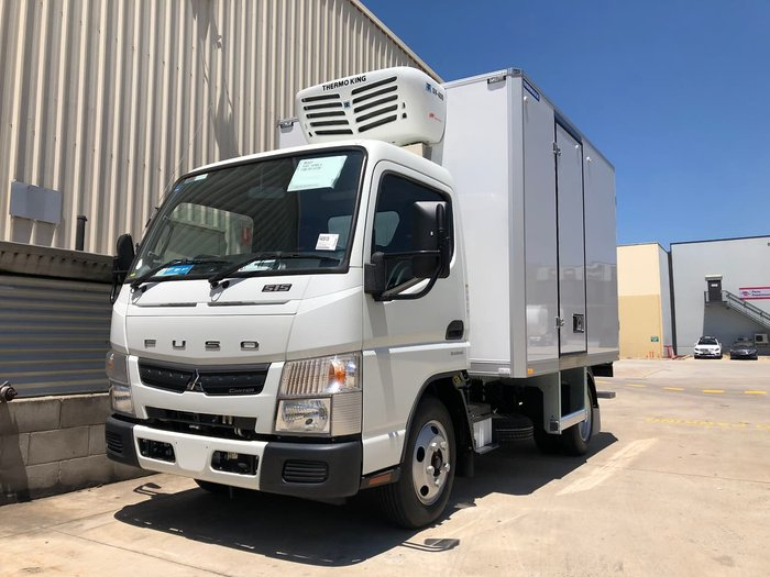 2019 FUSO CANTER 515 CITY CAB null null White
