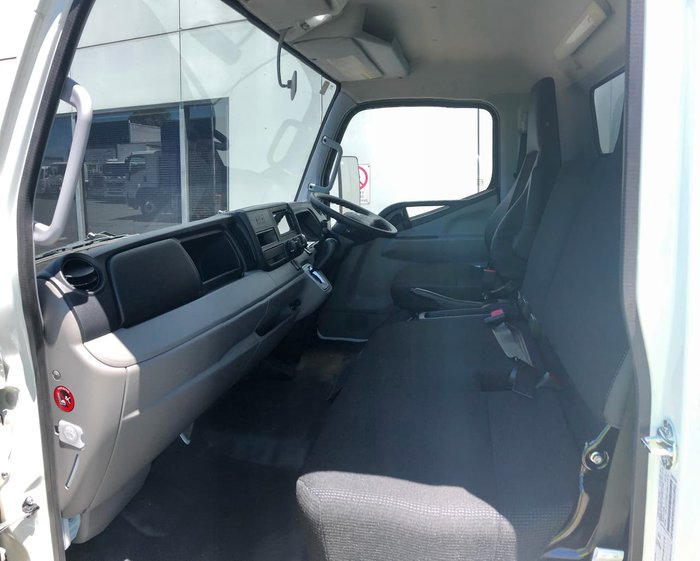 2019 FUSO CANTER 515 null null White