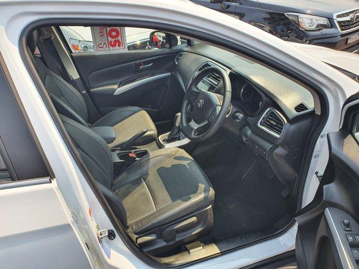 2017 Suzuki S-Cross Turbo Prestige JY White