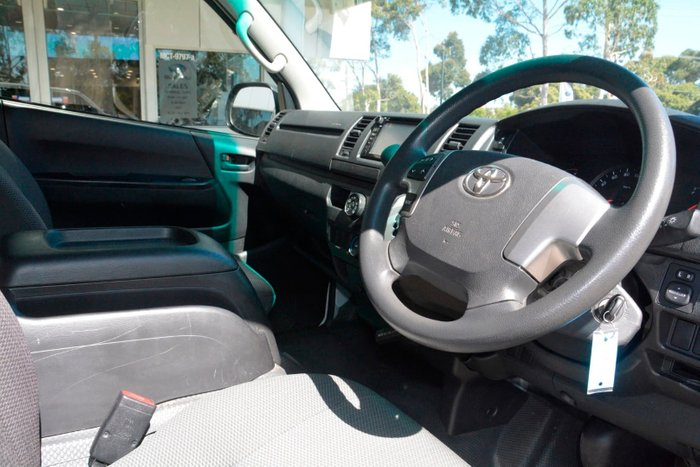 2017 Toyota Hiace TRH201R White