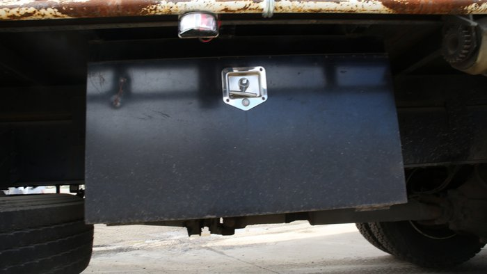 2010 Isuzu FVM1400 WHITE / BLUE