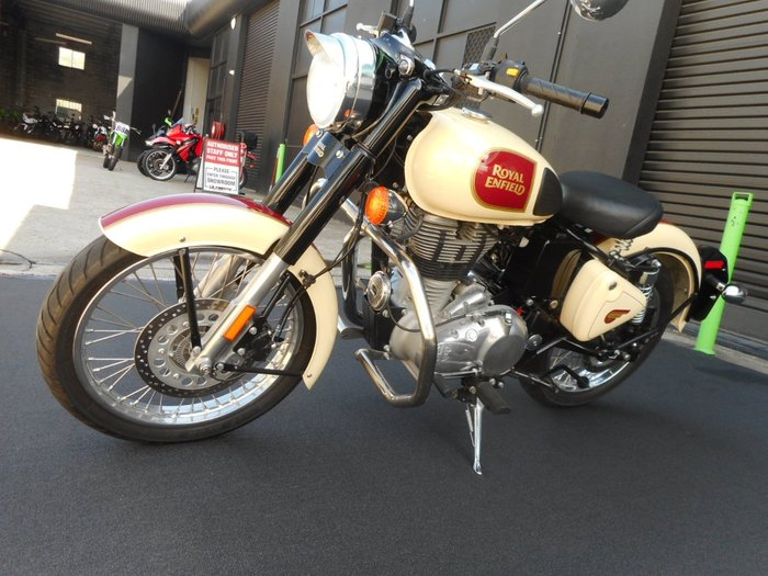 2018 Royal Enfield CLASSIC 500 ABS Cream
