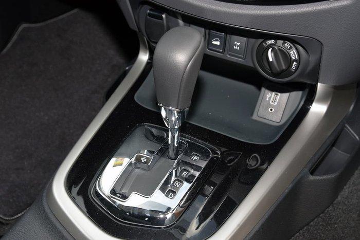 2019 Nissan Navara ST-X D23 Series 4 4X4 Dual Range Gold