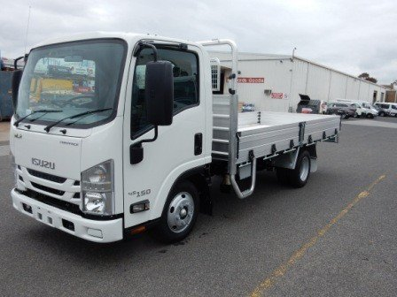 2020 Isuzu NLR 45-150 MANUAL TRAYPACK