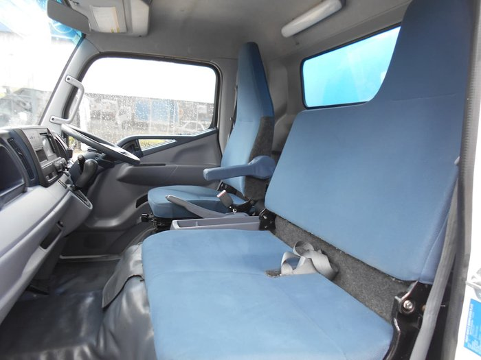 2015 FUSO CANTER 515 null null White