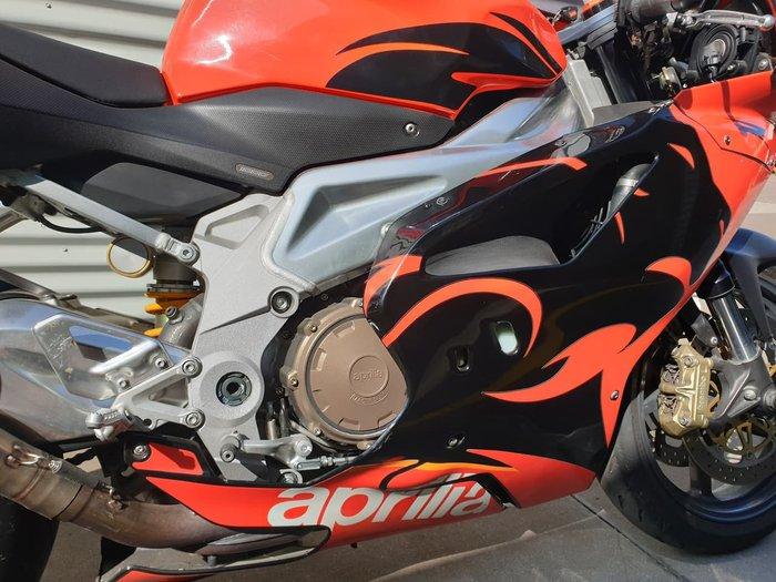 2005 APRILIA RSV1000R null null Red