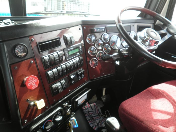 2015 WESTERN STAR 5800 DAY CAB null null WHITE