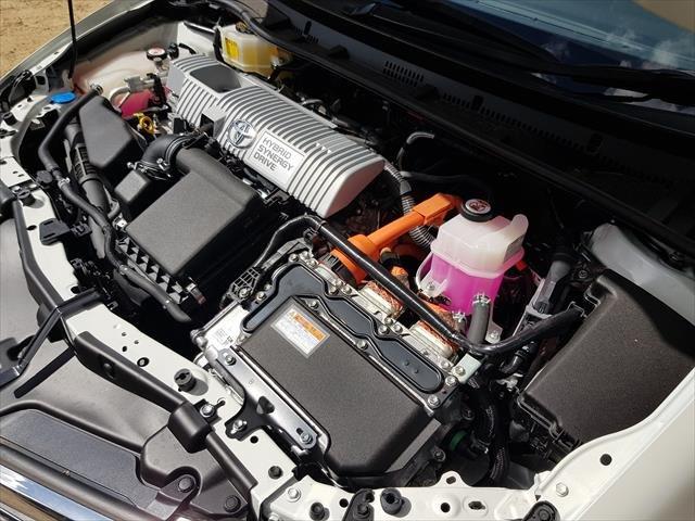 2016 Toyota Corolla Hybrid ZWE186R Crystal Pearl