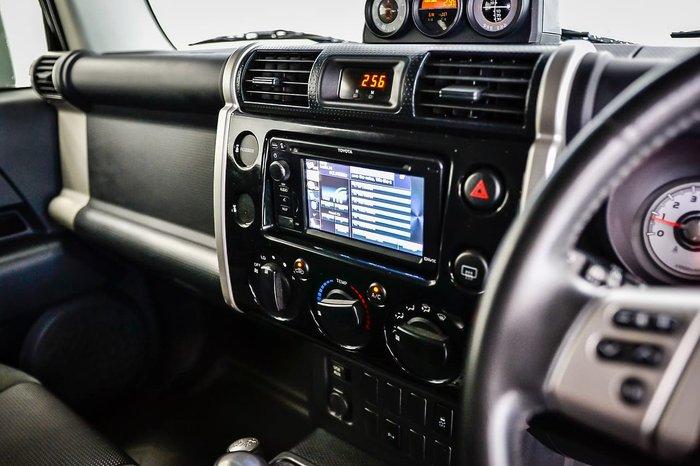 2015 Toyota FJ Cruiser GSJ15R MY14 4X4 Dual Range Black