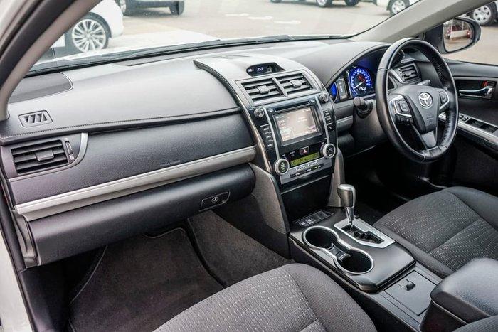 2015 Toyota Camry Atara S AVV50R White