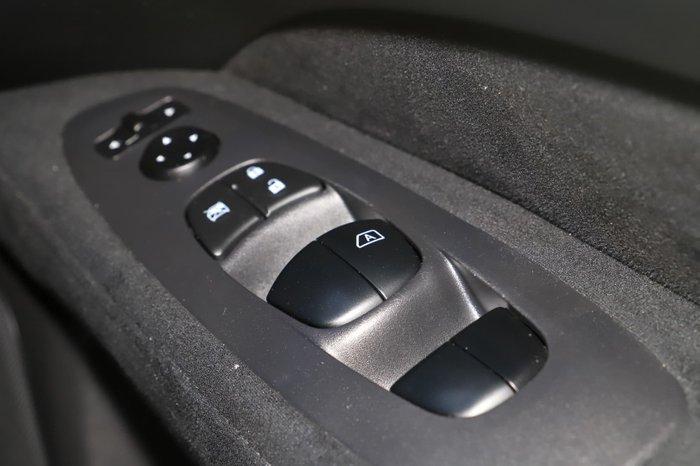 2015 Nissan Pathfinder ST R52 MY15 White