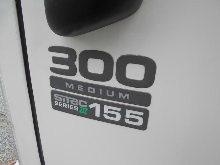 2013 ISUZU NPR 300 MEDIUM null null White