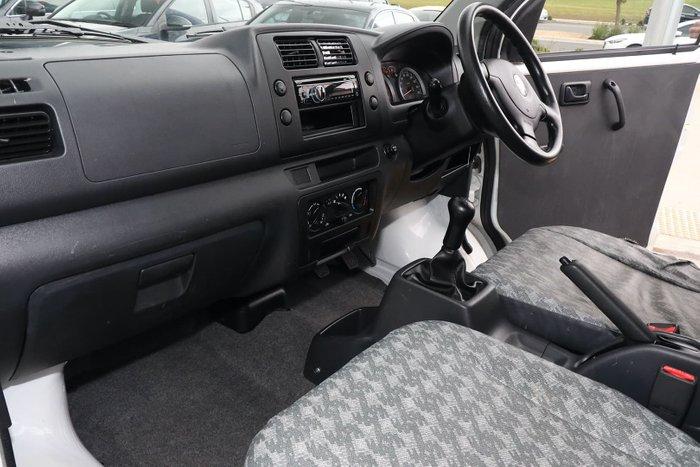 2016 Suzuki APV White