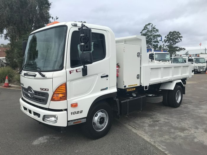 2015 HINO FC 1022 TIPPER null null WHITE