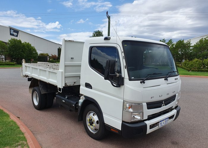 2015 Fuso Canter 715 Wide TIPPER WHITE