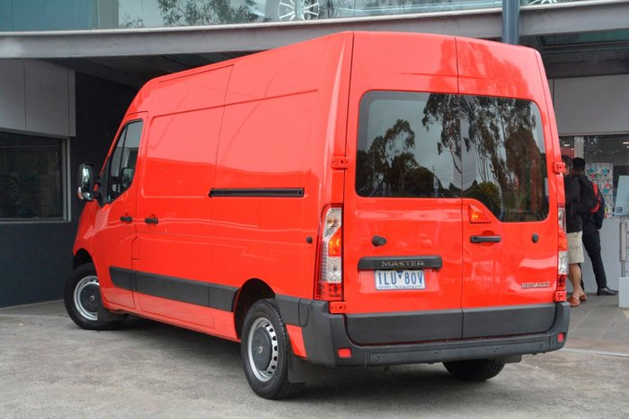 2016 Renault Master X62 Red