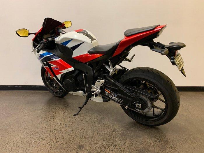 2016 Honda CBR1000RR (FIREBLADE) Red