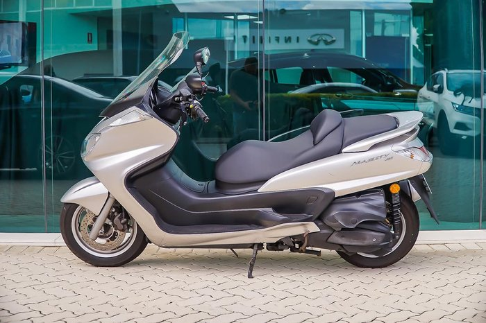 2005 YAMAHA MAJESTY 400 (YP400) null null Silver