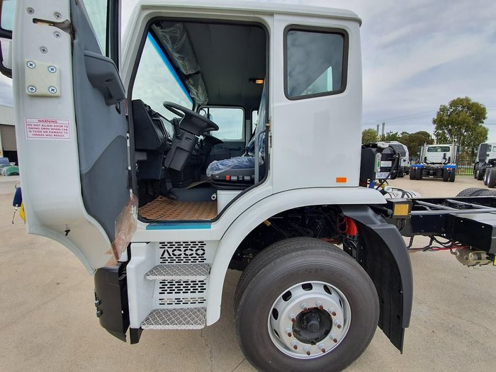2018 IVECO ACCO 6X4 DUAL CONTROL COMPACTOR null null White
