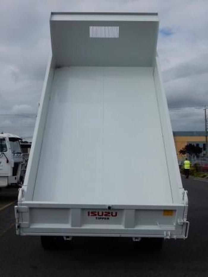 2019 ISUZU NQR 87/80-190 AMT TIPPER White