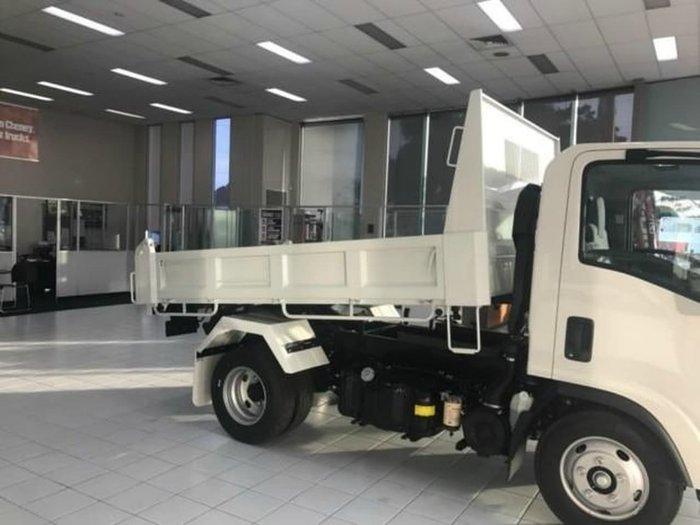2020 ISUZU NLR 55/45 MANUAL TIPPER White