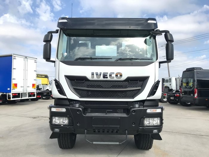 2020 IVECO TRAKKER 4X4 12 SPEED AMT - ON CLEARANCE null null White