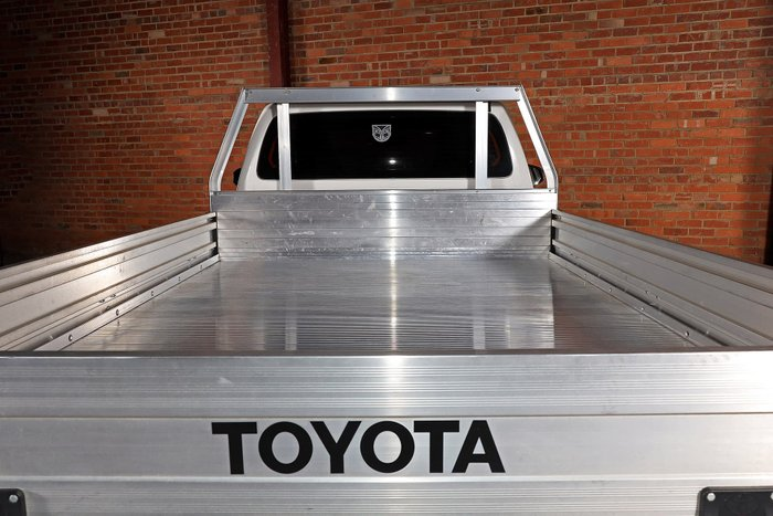 2017 Toyota Hilux Workmate TGN121R White