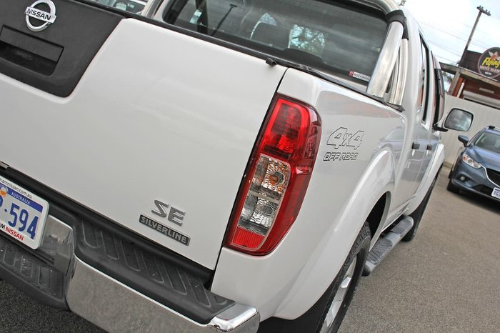 2014 Nissan Navara Silverline SE D40 Series 9 4X4 Dual Range White