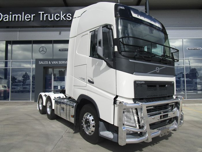 2015 VOLVO FH540 GLOBETROTTER null null WHITE