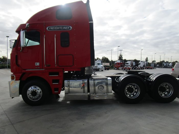 2013 FREIGHTLINER ARGOSY 110 HIGH ROOF null null RED