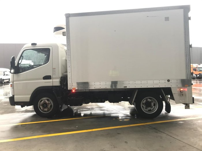 2016 FUSO CANTER 515 A/T - PANTECH REFRIGERATED null null WHITE
