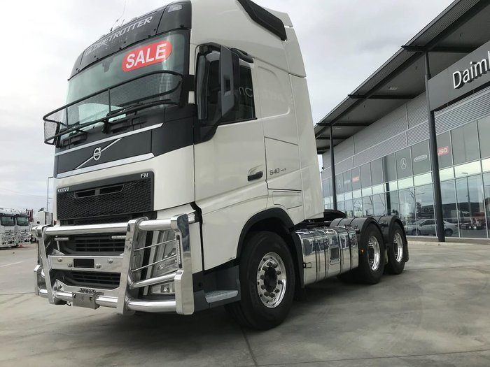 2015 VOLVO FH16 GLOBETROTTER null null white