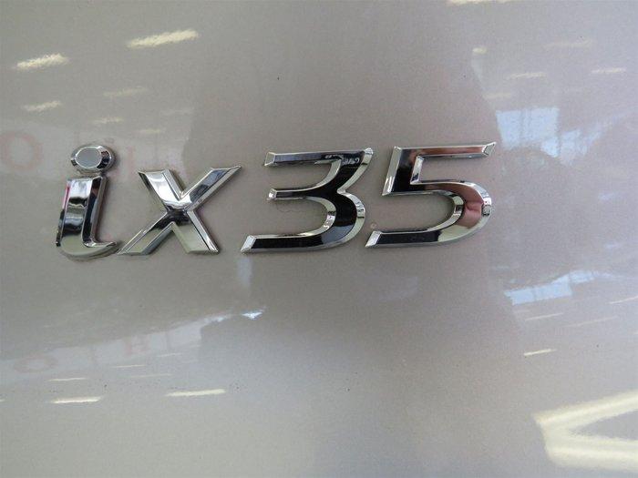 10 HYUNDAI iX35