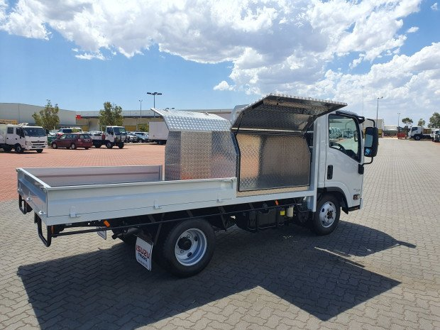 2019 Isuzu NLS 45-150 AWD Car License Tray and Boxes