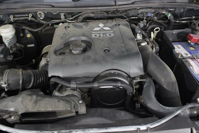2012 Mitsubishi Challenger