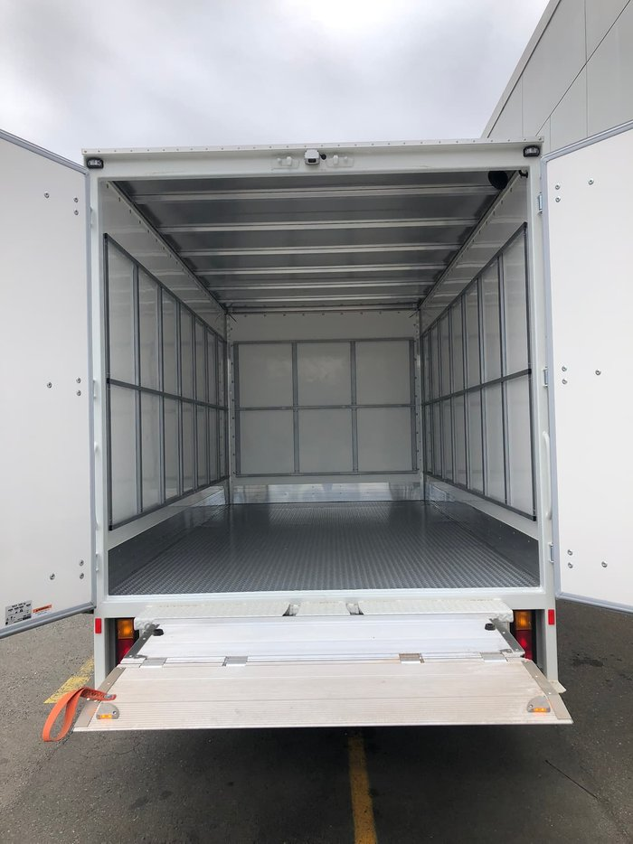2019 FUSO FUSO CANTER 515 PANTEC DHOLLANDIA TAIL LIFT null null White