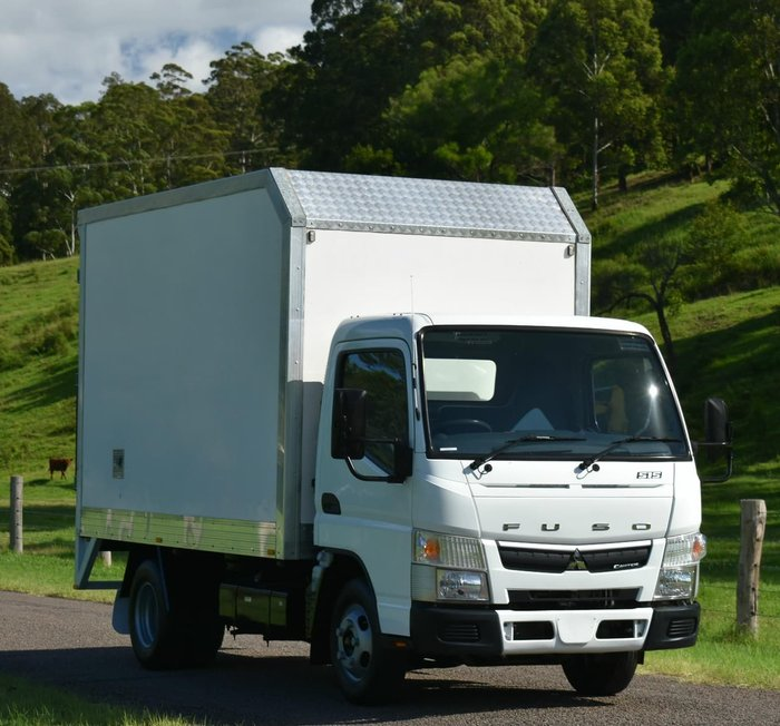 2014 MITSUBISHI CANTER 515 null null White