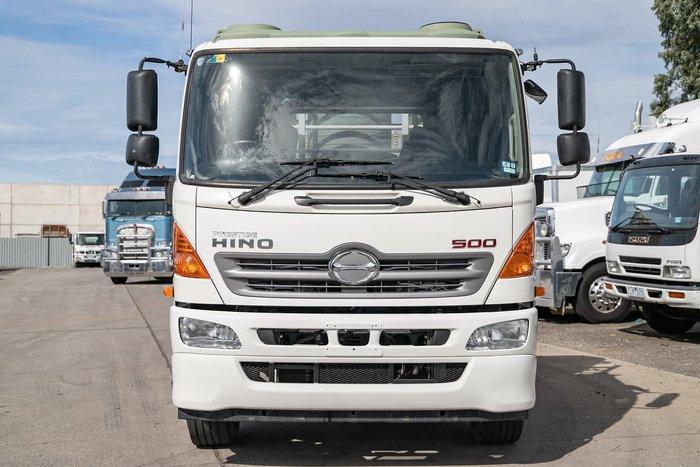 2013 HINO GH 500 1728 BEAVERTAIL null null WHITE