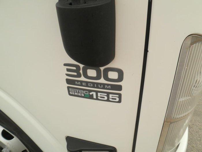 2014 ISUZU NPR300 null null WHITE