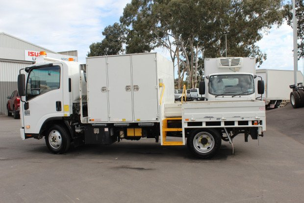 2011 Isuzu NNR200 Medium Service Body LOW KMS White